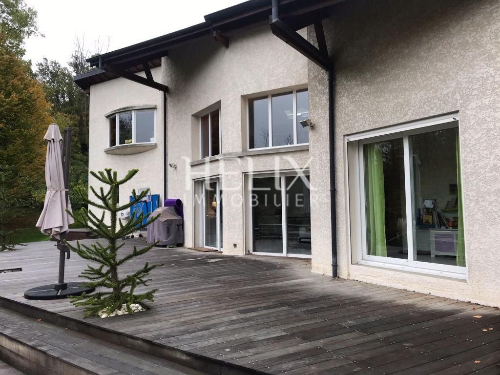 Maison avec un grand jardin de 3000 M2