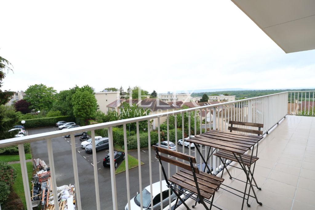 Bel appartement meublé 3 chambres, ensoleillé, lycées!, accès A 14