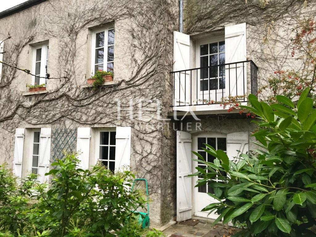 Maison ancienne Chambourcy 225 M2, calme, avec petite maison!