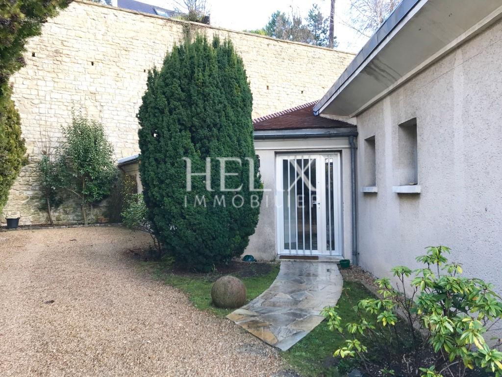 Belle maison meublée 250 M2 à Saint Germain en Laye, 8 mn RER A