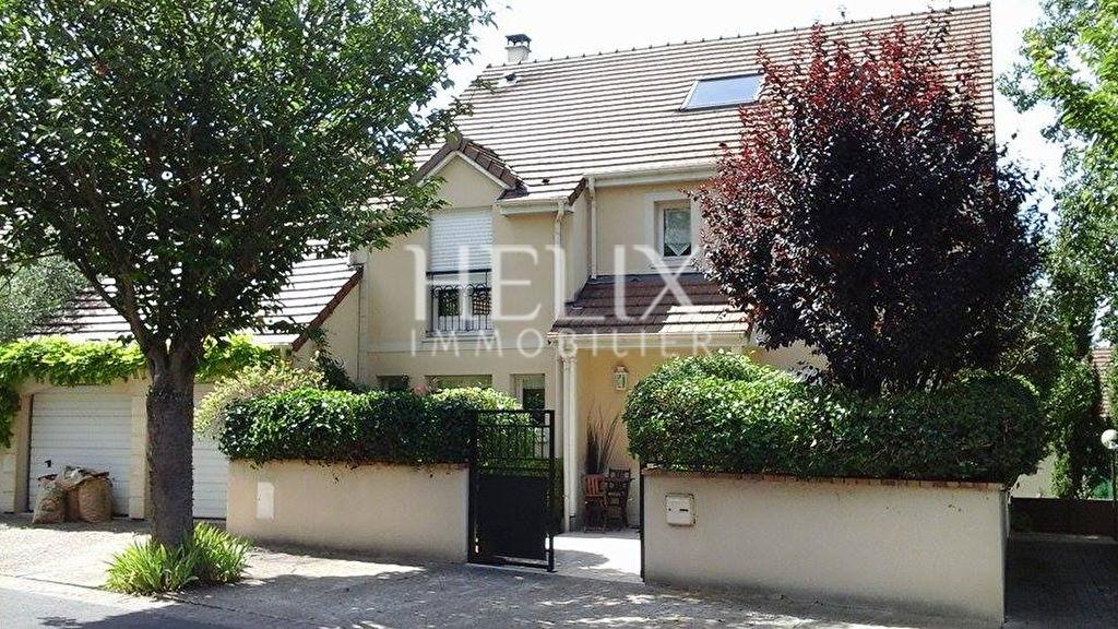 Maison Marly Le Roi 9 pièce(s) 230 m2