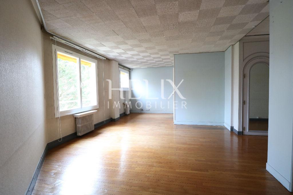 Le Vésinet Centre - Appartement 2 pièces de 52 M² à rénover