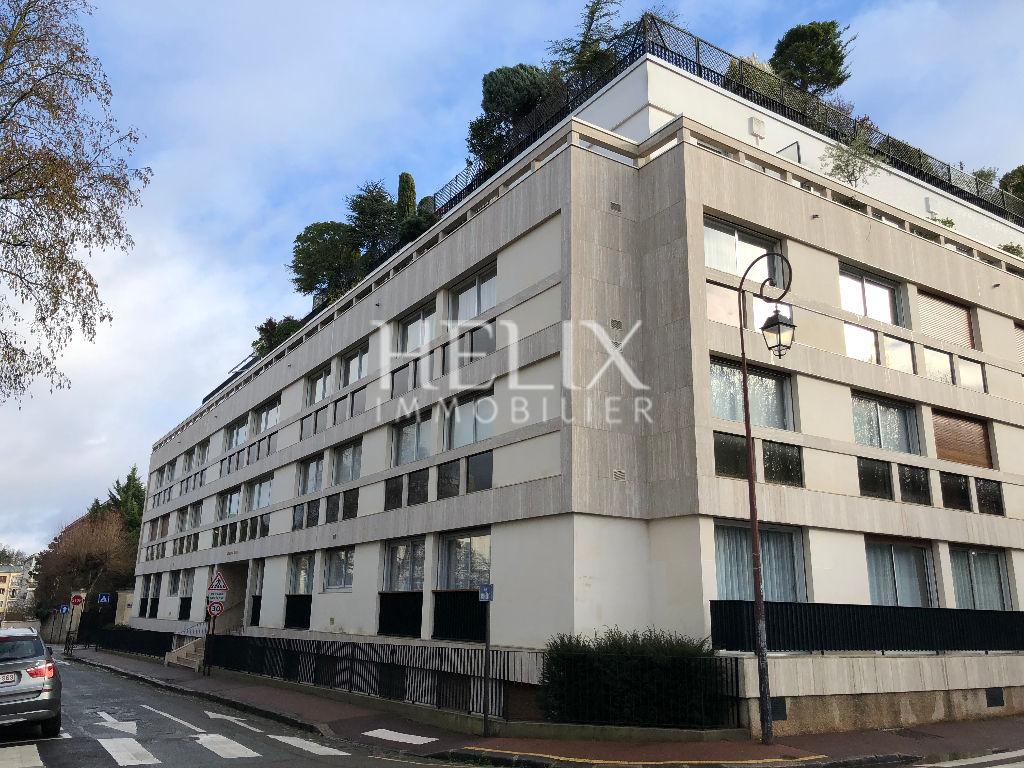Chambre dans SAINT-GERMAIN-EN-LAYE dans secteur très résidentiel