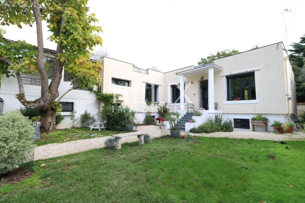Le Vesinet - Belle Maison de 7 pièces de 200 m²