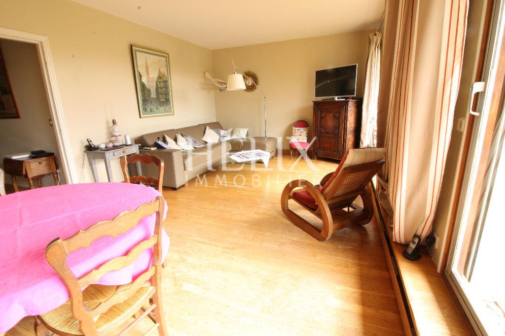 Mareil-Marly, Appartement de 107 m² avec jardin, 3 chambres, proche écoles.