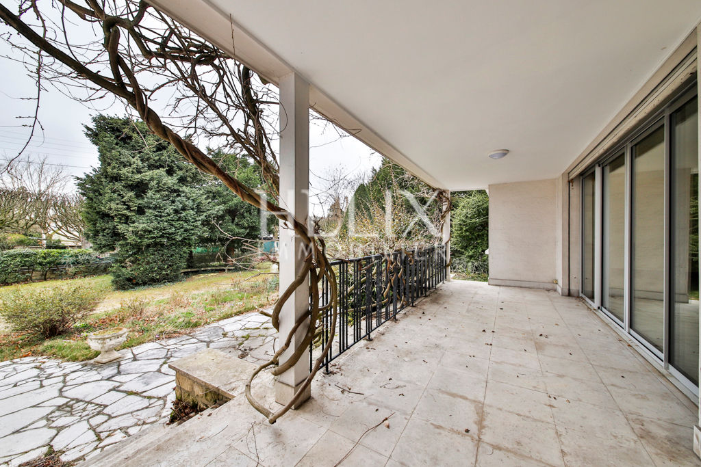 Chatou une maison d'architecte d'environ 290 M²