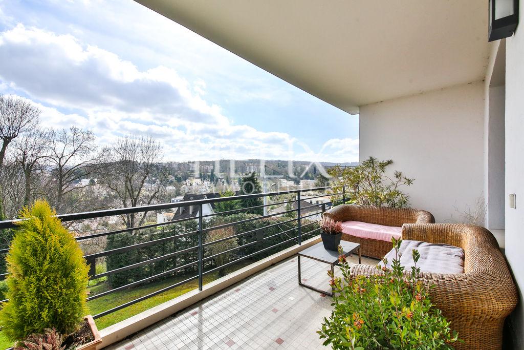 Magnifique appartement de 153 m2 avec vue dégagée sur Paris
