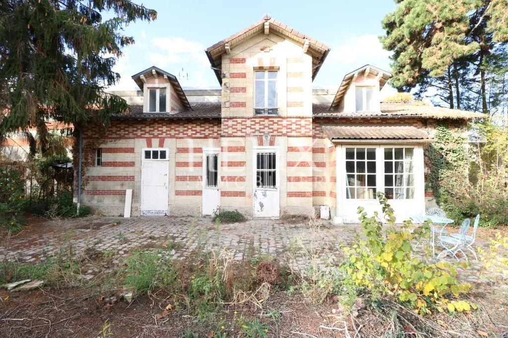 Maison Le Vesinet 4 pièces 130 m2 sur une parcelle de 1100 m²