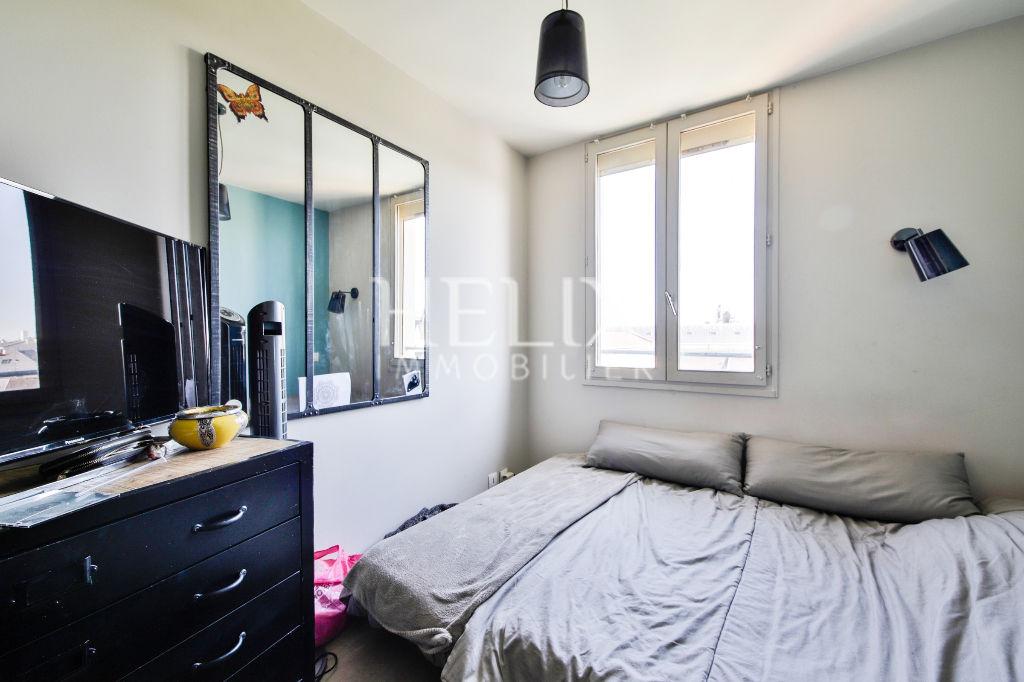 Centre ville de saint germain en laye un appartement avec - Horaires piscine st germain en laye ...