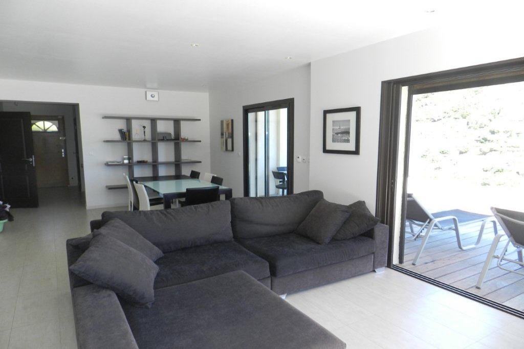 Maison récente T5 Le Lavandou