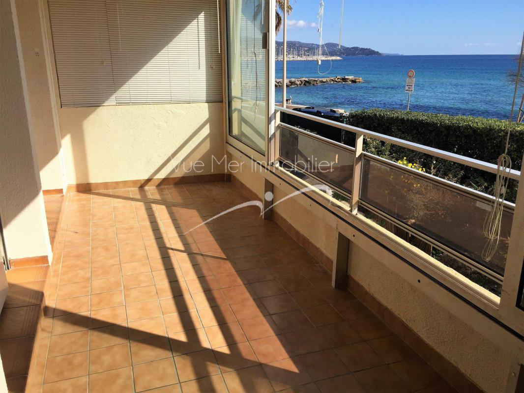 LE LAVANDOU 2 Pièces avec vue mer et accès plage