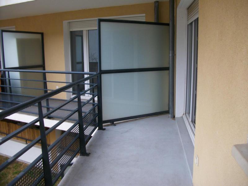 appartement t3 louer avec piscine en r sidence ferm e sur salon de provence location de villas. Black Bedroom Furniture Sets. Home Design Ideas