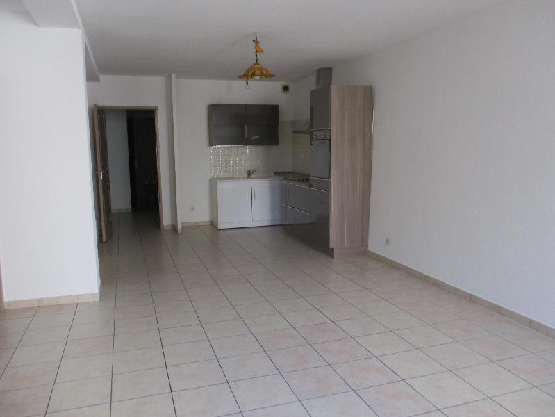 appartement t4 13300 salon de provence location de villas maisons appartements studios et. Black Bedroom Furniture Sets. Home Design Ideas
