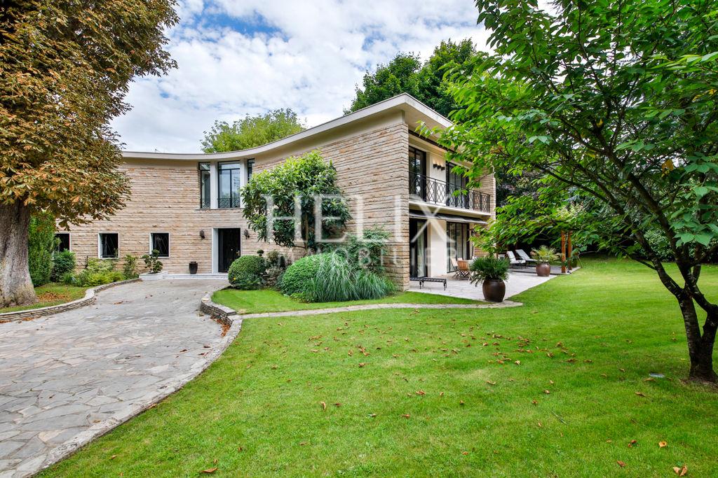 Le Vesinet Maison D Architecte De 315 M Helix Immobilier